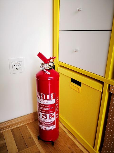 Brandschutzhelfer-Schulung theoretisch und praktisch Akademie ADT-Zielke Standardization